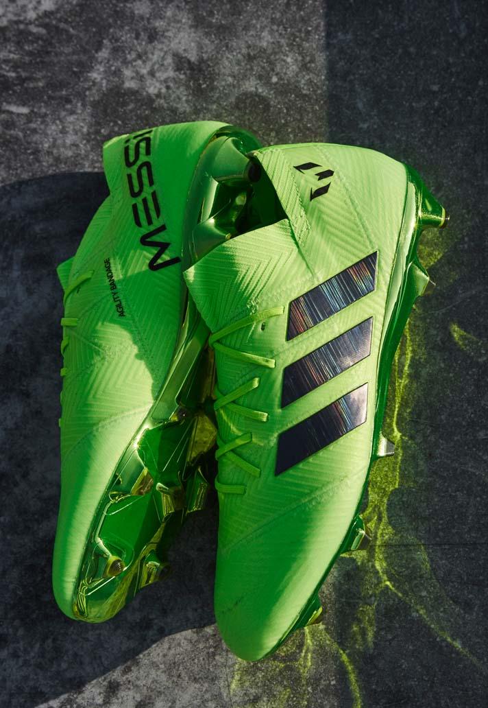 Además del botín X en color azul (que será usado por el egipcio Salah y el  lateral brasileño Marcelo) ae6cfa995055e